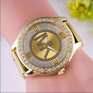 New designer top brand gold tone battery watch